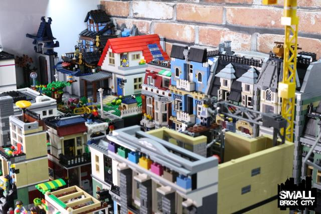 Overview of a Custom LEGO city - Small Brick City