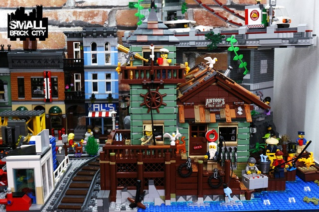 Setting the lego old fishing store 21310 in a lego city for Lego old fishing store